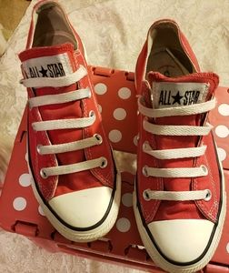 Red Converse All-stars
